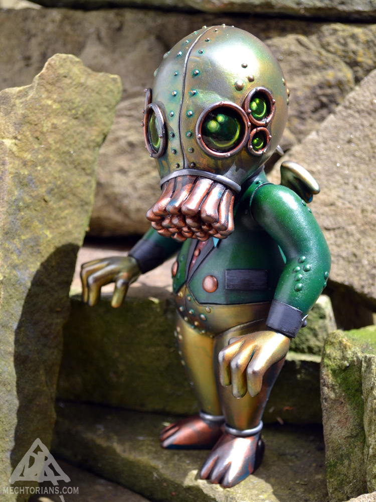 Carl T Hulhu Mechtorian customised toy by Doktor A.