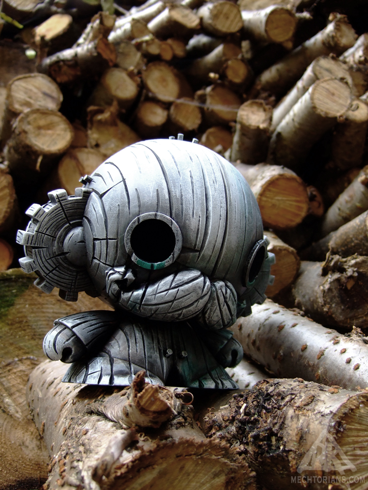 Wooden boy. A wooden Mechtorian figure by Doktor A.