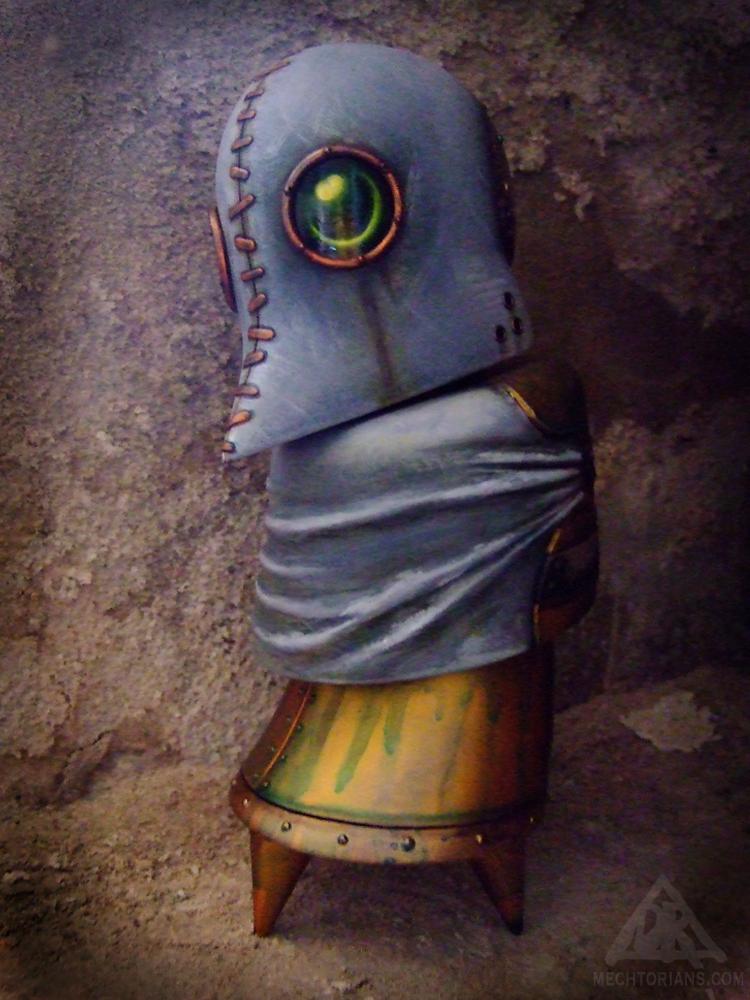 Hooded Mechtorian Freakshow sculpture custom By Doktor A.